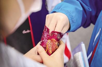 幸运星、棒棒糖 送考老师的爱心礼物花样多